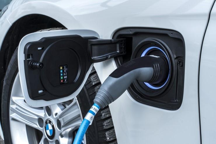 Charger รถยนต์พลังงานไฟฟ้า